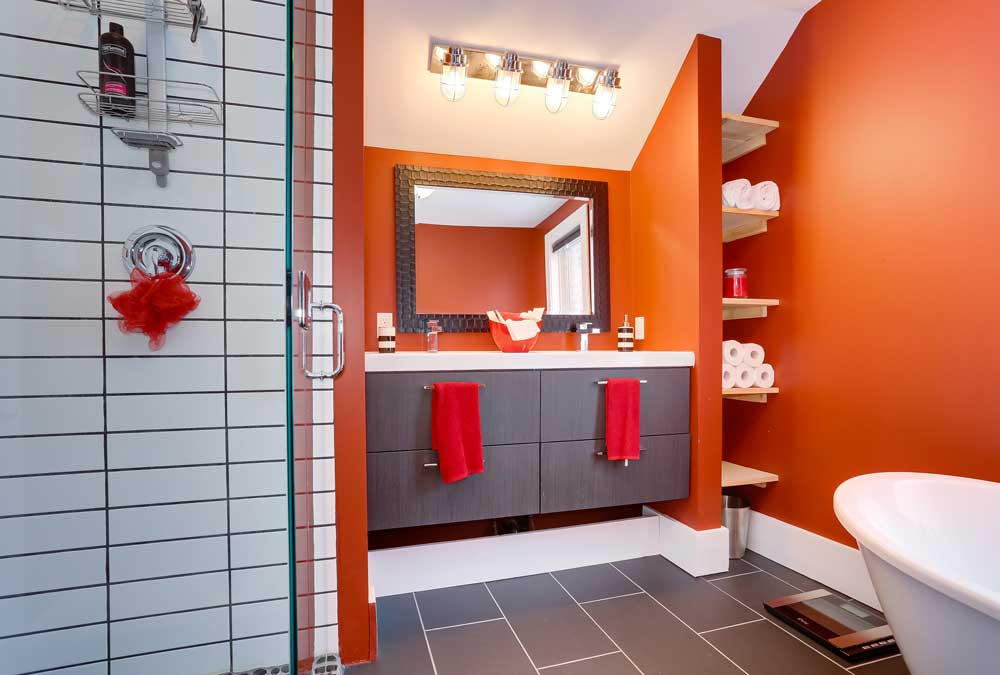 Patrik-House---Full-Bathroom
